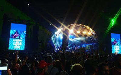 50 mil pessoas cantam pela democracia e liberdade, na Lapa